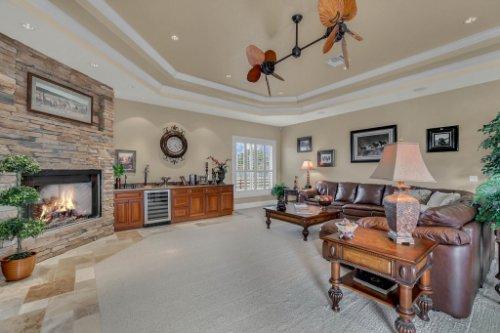 701-Lemon-Bluff-Rd--Osteen--FL-32764----08---Family-Room.jpg