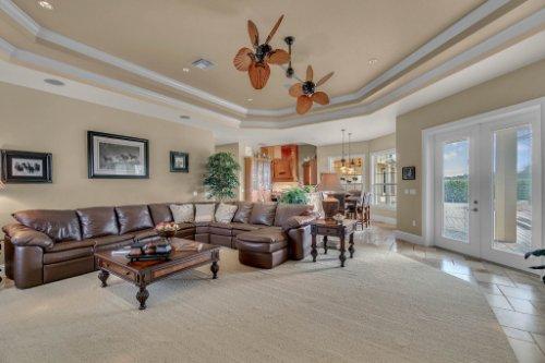 701-Lemon-Bluff-Rd--Osteen--FL-32764----10---Family-Room.jpg