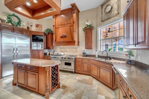 701-Lemon-Bluff-Rd--Osteen--FL-32764----13---Kitchen.jpg