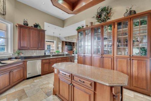 701-Lemon-Bluff-Rd--Osteen--FL-32764----14---Kitchen.jpg