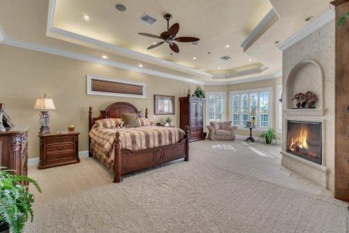 701-Lemon-Bluff-Rd--Osteen--FL-32764----17---master-Bedroom.jpg