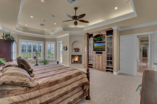 701-Lemon-Bluff-Rd--Osteen--FL-32764----19---Master-Bedroom.jpg