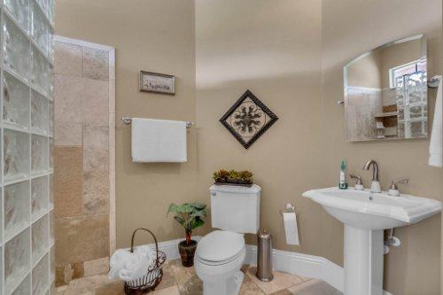 701-Lemon-Bluff-Rd--Osteen--FL-32764----22---Master-Bathroom.jpg