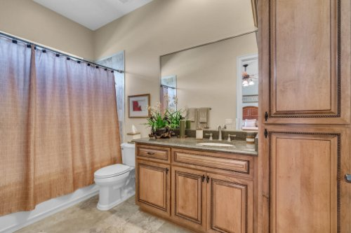 701-Lemon-Bluff-Rd--Osteen--FL-32764----25---Bathroom.jpg