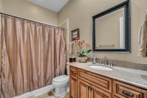701-Lemon-Bluff-Rd--Osteen--FL-32764----26---Bathroom.jpg