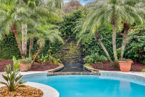 7425-Park-Springs-Cir--Orlando--FL-32835---04---Pool.jpg