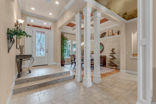 7425-Park-Springs-Cir--Orlando--FL-32835---08---Foyer.jpg