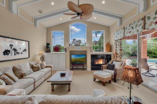 7425-Park-Springs-Cir--Orlando--FL-32835---12---Family-Room.jpg