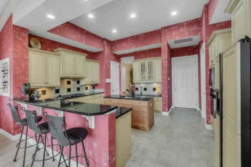 7425-Park-Springs-Cir--Orlando--FL-32835---15---Kitchen.jpg
