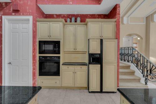 7425-Park-Springs-Cir--Orlando--FL-32835---18---Kitchen.jpg