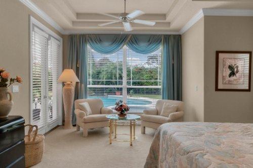 7425-Park-Springs-Cir--Orlando--FL-32835---23---Master-Bedroom.jpg