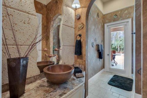 7425-Park-Springs-Cir--Orlando--FL-32835---27---Bathroom.jpg