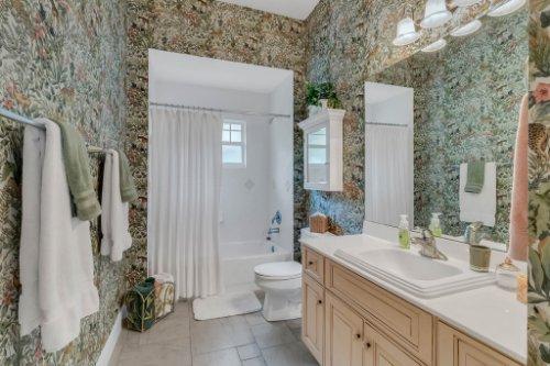 7425-Park-Springs-Cir--Orlando--FL-32835---30---Bathroom.jpg