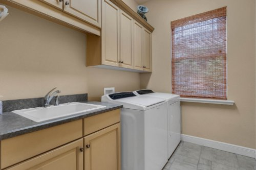 7425-Park-Springs-Cir--Orlando--FL-32835---33---Laundry.jpg