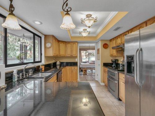100-Primrose-Dr--Longwood--FL-32779----18---Kitchen.jpg