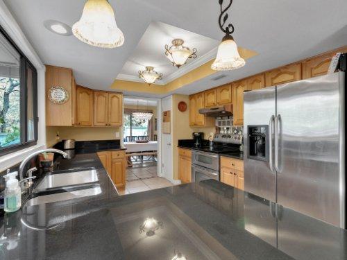 100-Primrose-Dr--Longwood--FL-32779----19---Kitchen.jpg