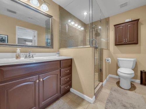 100-Primrose-Dr--Longwood--FL-32779----26---Master-Bathroom-copy.jpg