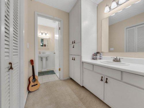 100-Primrose-Dr--Longwood--FL-32779----28---Bathroom.jpg