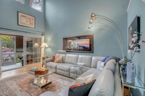 1187-Shipwatch-Circle-Tampa--FL-33602--03--Living-Room-1---1.jpg