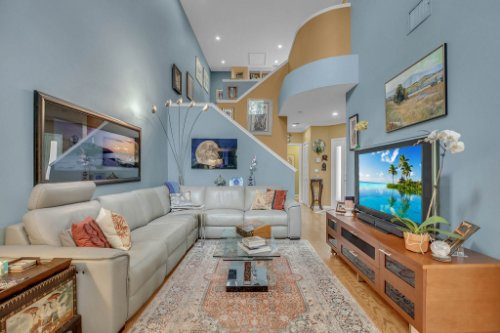 1187-Shipwatch-Circle-Tampa--FL-33602--05--Living-Room-1---3.jpg