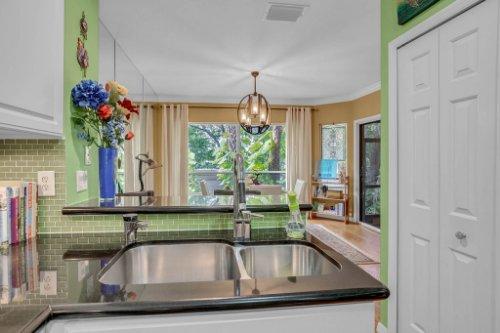 1187-Shipwatch-Circle-Tampa--FL-33602--11--Kitchen-1---3.jpg