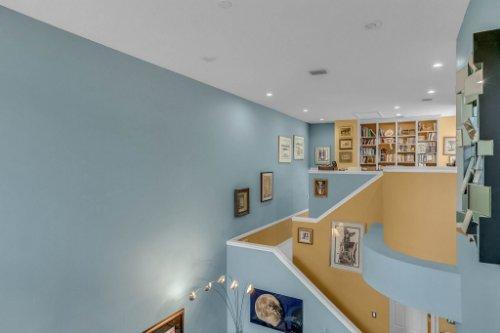 1187-Shipwatch-Circle-Tampa--FL-33602--27--Living-Room-1----5.jpg