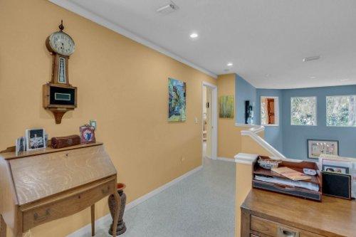 1187-Shipwatch-Circle-Tampa--FL-33602--30--Hallway.jpg