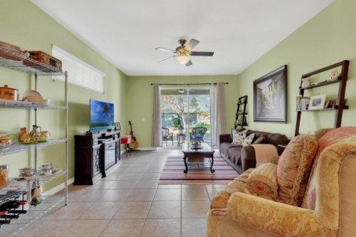 214-Autumn-Oaks-Loop--Winter-Garden--FL-34787----16---Family-Room.jpg