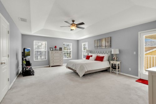 214-Autumn-Oaks-Loop--Winter-Garden--FL-34787----18---Master-Bedroom.jpg