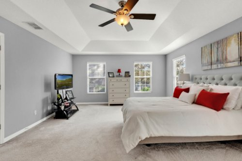 214-Autumn-Oaks-Loop--Winter-Garden--FL-34787----19---Master-Bedroom.jpg