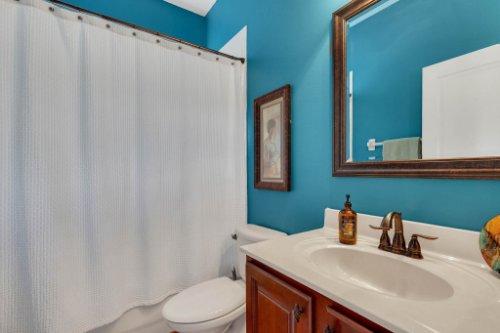 214-Autumn-Oaks-Loop--Winter-Garden--FL-34787----29---Bathroom.jpg