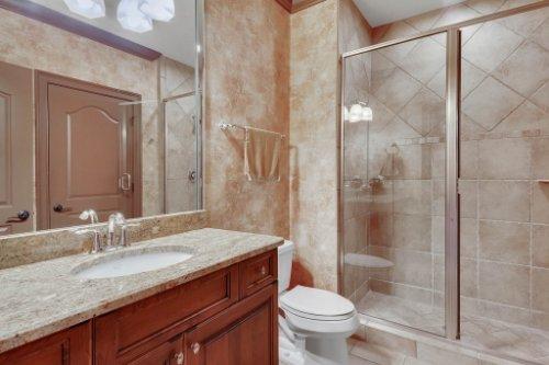 13250-Bellaria-Cir--Windermere--FL-34786----31---Bathroom.jpg