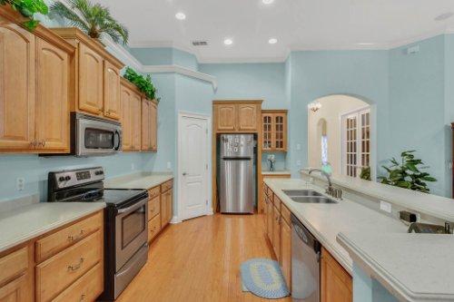 8095-Lake-James-Blvd--Lakeland--FL-33810----09---Kitchen.jpg