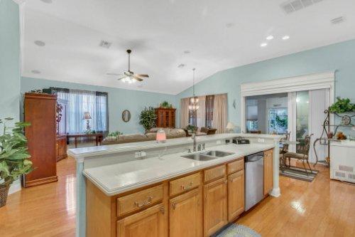 8095-Lake-James-Blvd--Lakeland--FL-33810----10---Kitchen.jpg