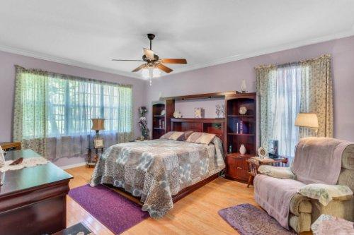 8095-Lake-James-Blvd--Lakeland--FL-33810----13---Master-Bedroom.jpg
