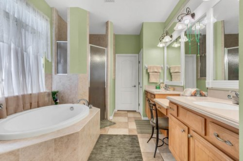 8095-Lake-James-Blvd--Lakeland--FL-33810----16---Master-Bathroom.jpg