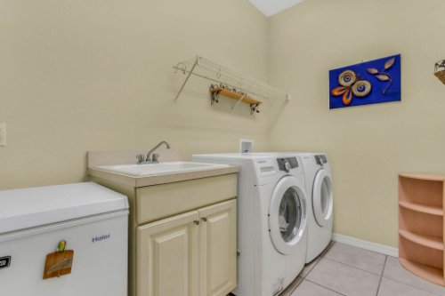 8095-Lake-James-Blvd--Lakeland--FL-33810----21---Laundry.jpg