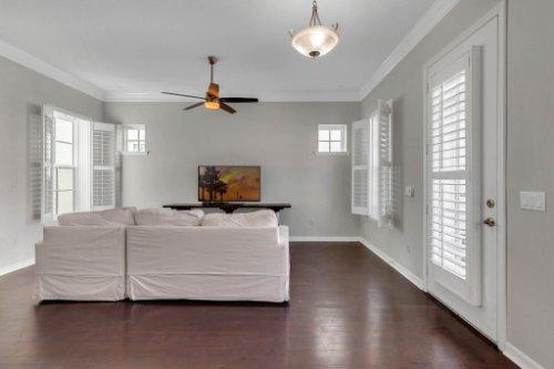 1513-Resolute-St--Kissimmee--FL-34747----06---Family-Room.jpg