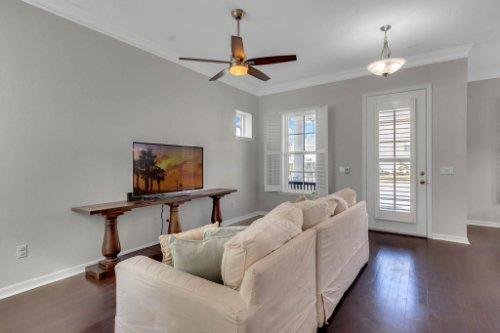 1513-Resolute-St--Kissimmee--FL-34747----07---Family-Room.jpg