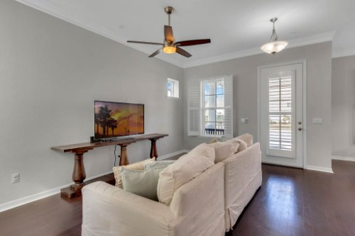 1513-Resolute-St--Kissimmee--FL-34747----07---Family-Room.jpg