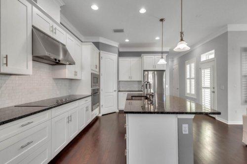 1513-Resolute-St--Kissimmee--FL-34747----11---Kitchen.jpg