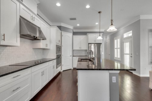 1513-Resolute-St--Kissimmee--FL-34747----11---Kitchen.jpg