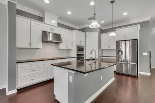 1513-Resolute-St--Kissimmee--FL-34747----12---Kitchen.jpg
