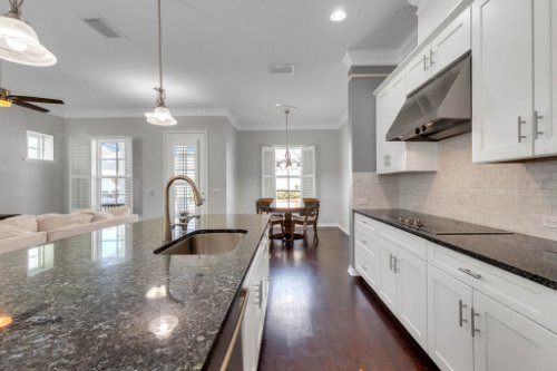 1513-Resolute-St--Kissimmee--FL-34747----14---Kitchen.jpg