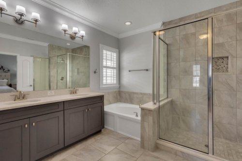 1513-Resolute-St--Kissimmee--FL-34747----20---Master-Bathroom.jpg