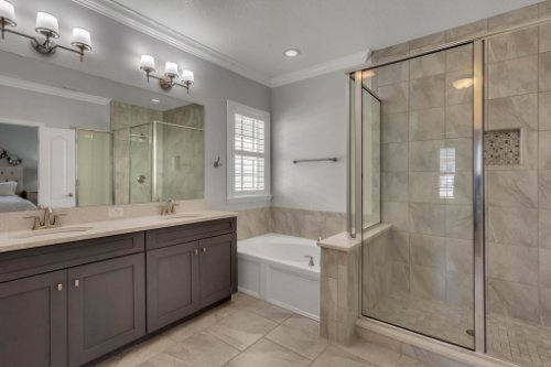 1513-Resolute-St--Kissimmee--FL-34747----20---Master-Bathroom.jpg