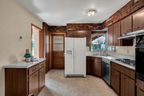 5347-W-Lake-Butler-Rd--Windermere--FL-34786----08---Kitchen.jpg
