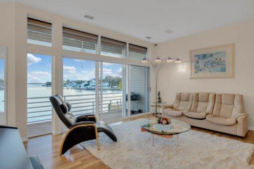 5918-Skimmer-Point-Blvd.-S-Gulfport--FL-33707--05--Living-Room-1---2.jpg