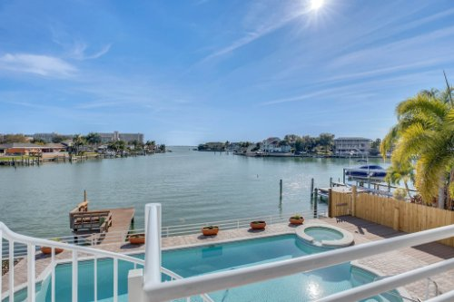 5918-Skimmer-Point-Blvd.-S-Gulfport--FL-33707--12--Deck.jpg