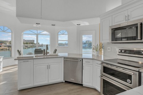 5918-Skimmer-Point-Blvd.-S-Gulfport--FL-33707--18--Kitchen-1---1.jpg